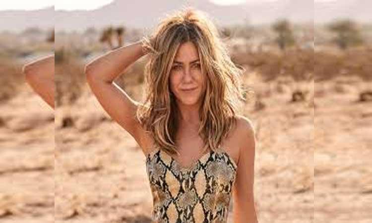 Jennifer Aniston Says She Isnt Ashamed To Pose Naked At